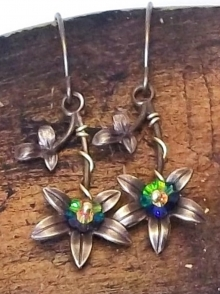 Swarovski and violets earrings