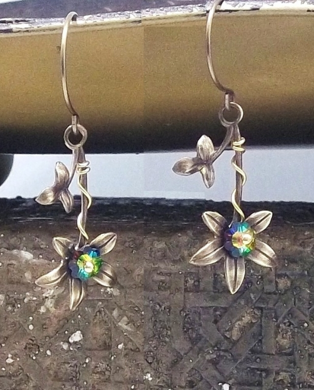 Swarovski and violets earrings